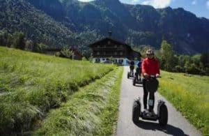 Jugendlicher Segway Fahrer am zahmen Kaiser in Ebbs