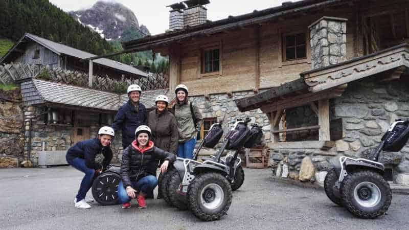Familien Foto mit Offroad Segway